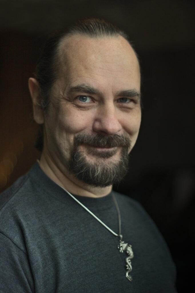 Константин Пухов - преподаватель эриксоновского гипноза и генеративного транса